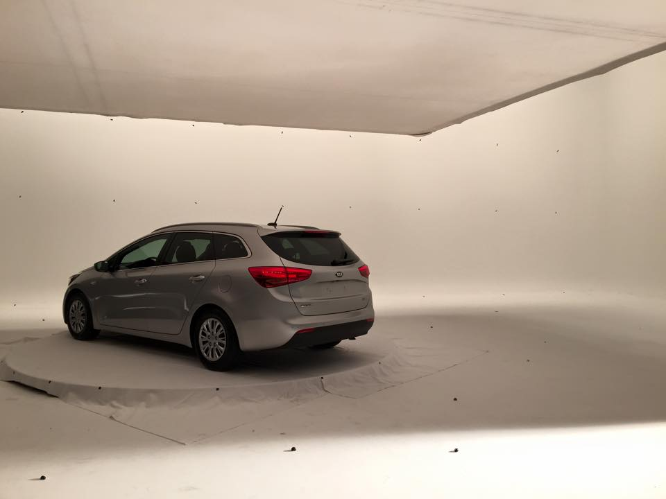 kia-commercial-whitestudio2.jpg