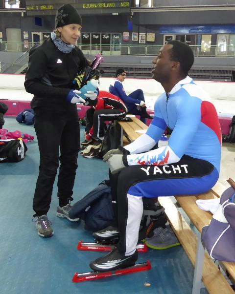 Marja Haartsen i prat med Vincent Henry, første deltager fra Storbritannia.(Foto: Sven-Åge Svensson)