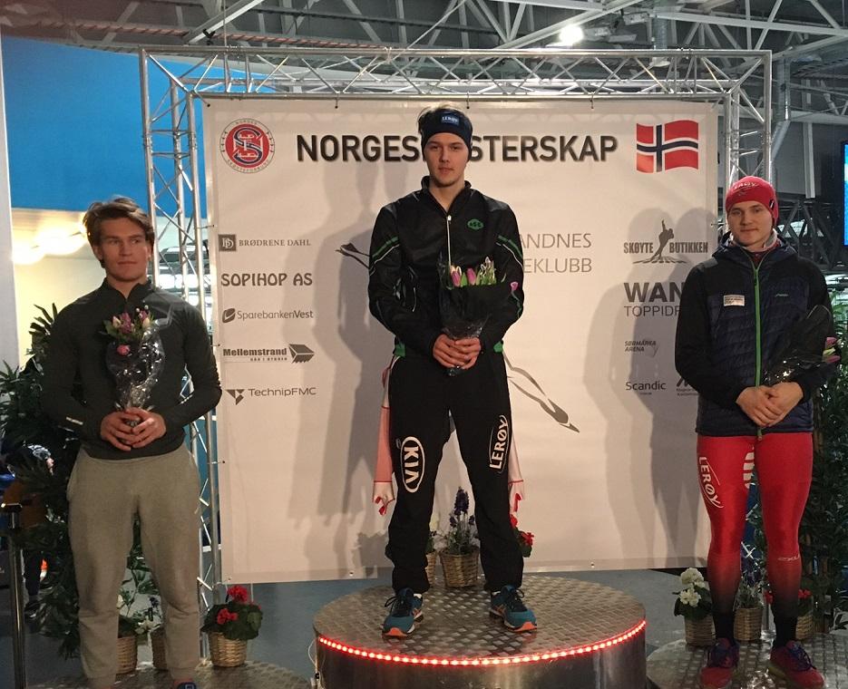 Allan på 500m pallen foran Odin By Farstad og Jonas N Kristensen.
