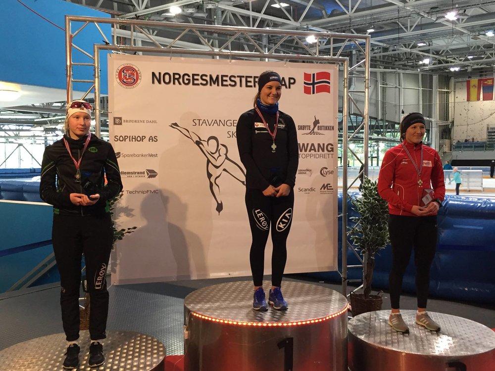Ragne (t.v.) sølv på 5000 m.      (Foto: Per allan Johansson)