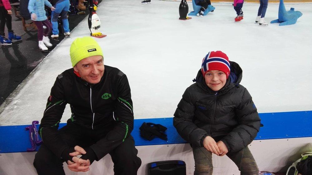 Far og sønn: Kurt Feiring Larsen og Aron Feiring