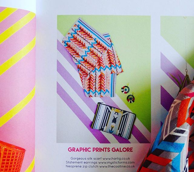 Have you seen the #summer issue of @caboodlemagazine featuring our herringbone silk scarf? 👀 Shop link in bio for 50% off this snazzy number in our sample sale now! 🎀💕🎀#HarligLife #HarligHappenings . . . #sale #fashion #samplesale #love #summer #holiday #pattern #colour #British #silk #scarves #scarf #luxury #London #cute #happy #design #textiles #silkscarf #caboodlemagazine #magazinecover #self-published #indiemags #independentmagazine #printisnotdead