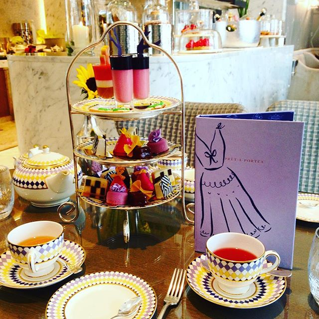 Lush #afternoontea treats with BIG thanks to @lessislau & @shelley2210 for spoiling me rotten with #colour, #cakes & tea 💕🍰☕️🍰💕HarligLife #HarligHappenings