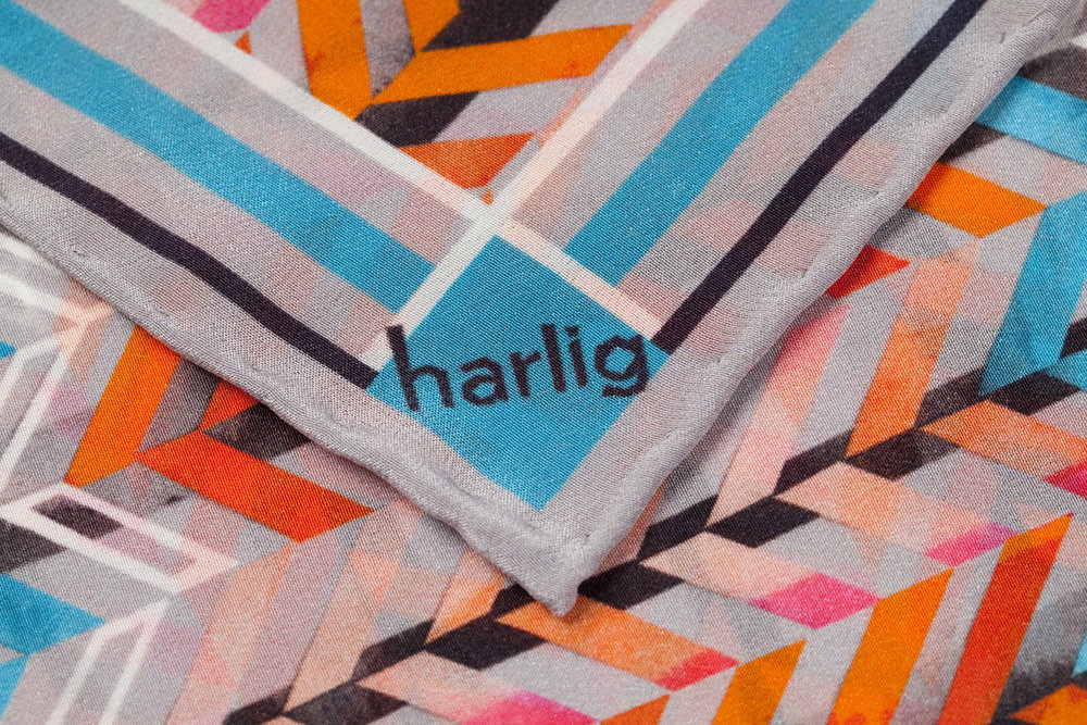 Harlig_Herringbone_Silk_Scarf_Detail_MR5500.jpg