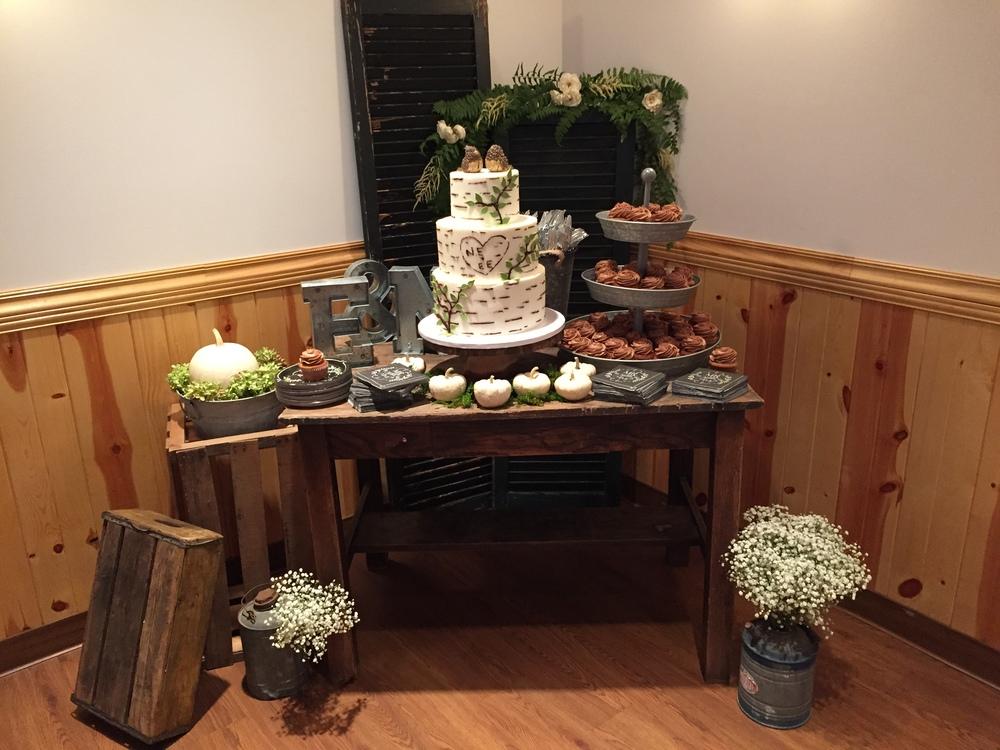 Britt Smith Events Cake+table.jpg