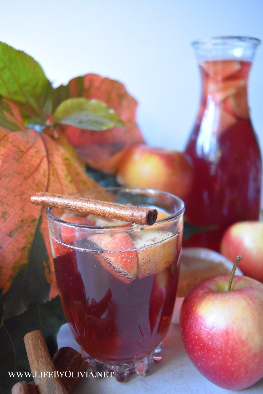 Apple Pie Sangria 1.jpg