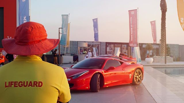 You can never be too careful 😂 #MrJWW #Dubai #Ferrari #458italia #lifeguard #travel #travelphotography #cars #cargram