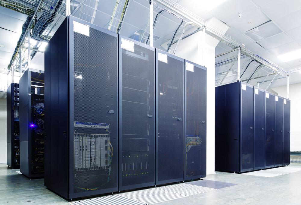data-center-cabinets-53405623_l.jpg