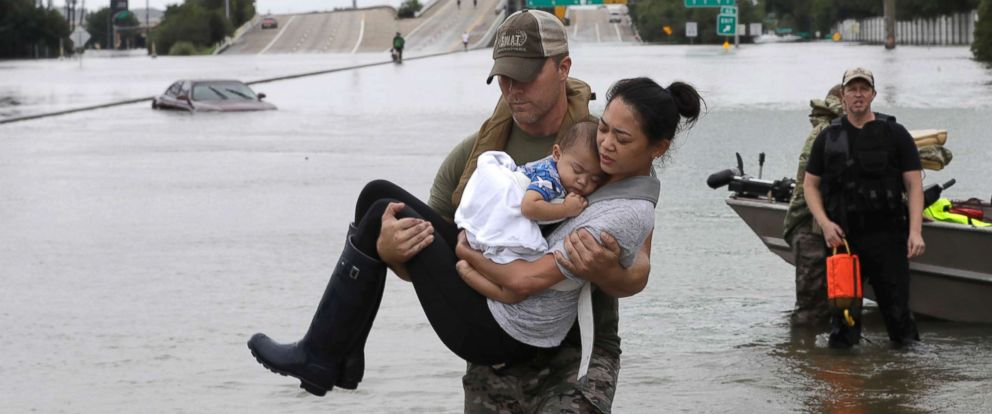 hurricane-harvey-rescue-3-ap-jt-170827_12x5_992.jpg