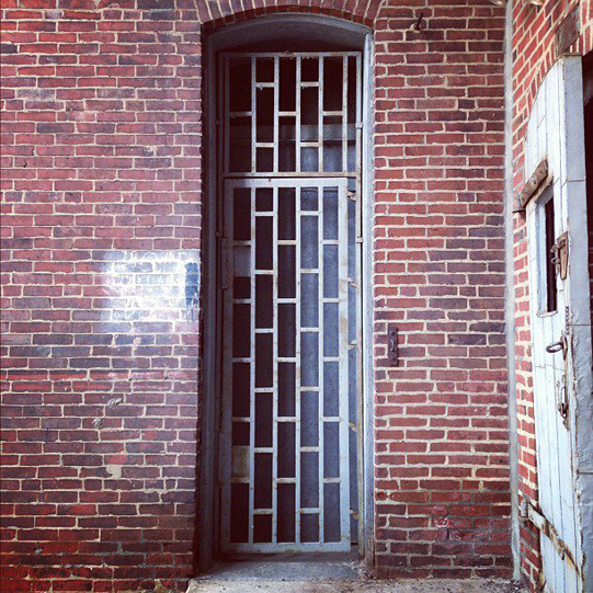 Sullivan-Owen-Courtyard-Door-Studio-Philadelphia