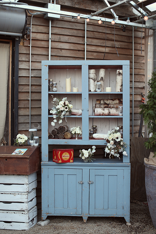 Sullivan-Owen-Alison-Conklin-Terrain-Winter-Wedding-Hutch-Display