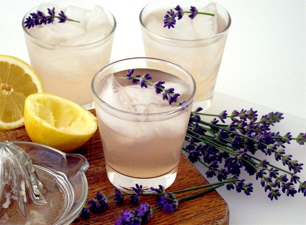 sparkling-lavender-lemonade.jpg