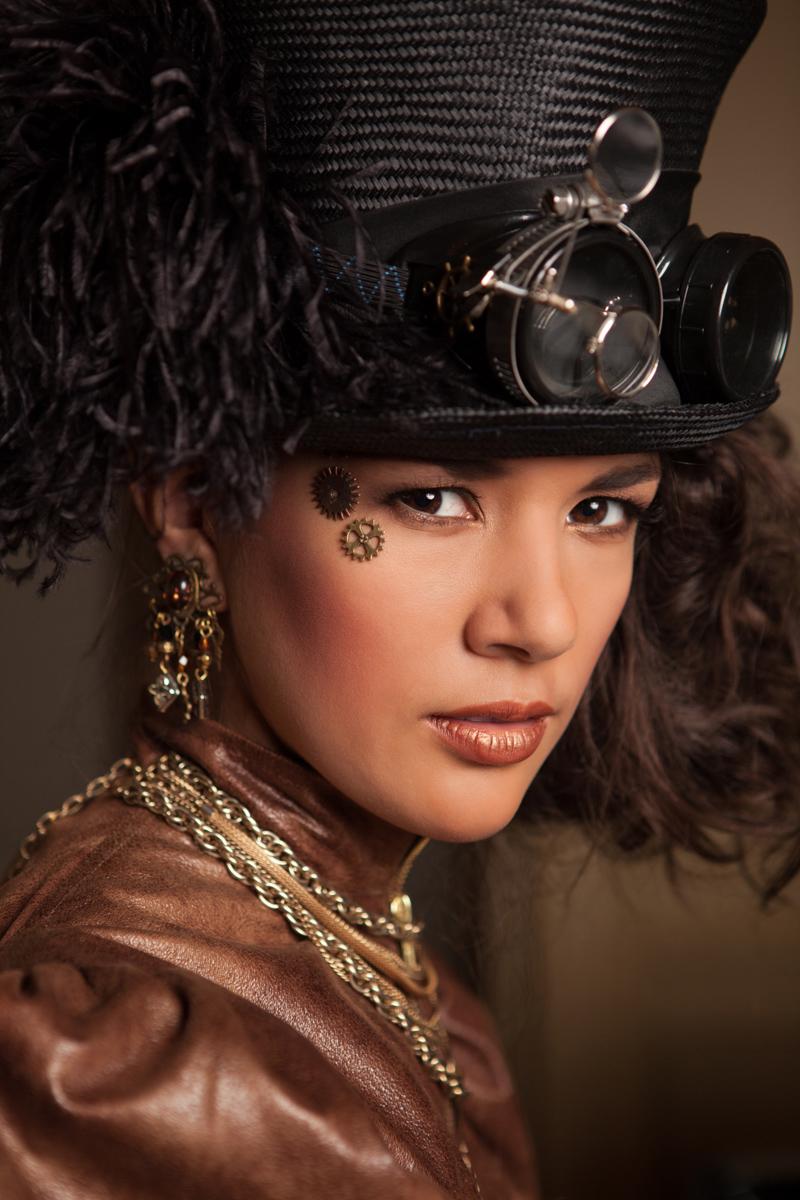 Model: Marlene Freerksen  |  Designer: Lina Mills