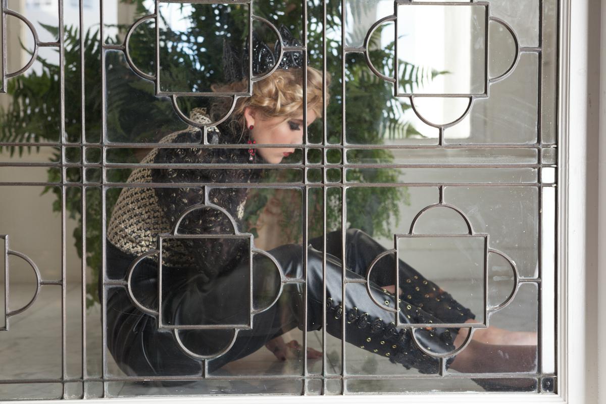Glorietta Bay Hotel | Through the Window | San Diego Fashion Photography