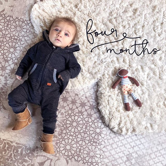 Realized I never posted Matteo's #4monthsold photo...and he's almost 5 months! 🤦‍♀️ I'm sure when he's older he'll forgive me when I explain to him what the #4monthsleepregression is. By far the hardest month of being a new mama. 5 weeks of no sleep while trying to get back into the swing of things at work. . So thankful for @bostonnaps help with guiding us through sleep training, and tips for getting Matteo on the best daytime nap schedule. 🙏🏼 . . . . #workingmama #newmom #boymom #sleeptraining #matteocantu #babyphoto #monthlybabyphoto #sleepregression