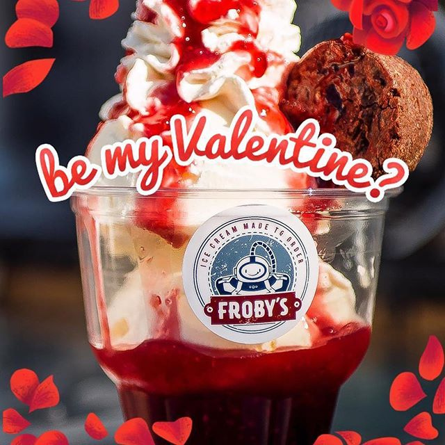Happy valentines day ! ❤️❤️❤️#valentinesday #raspberry #brownies #frobys #icecream #liquidnitrogen #liquidnitrogenicecream
