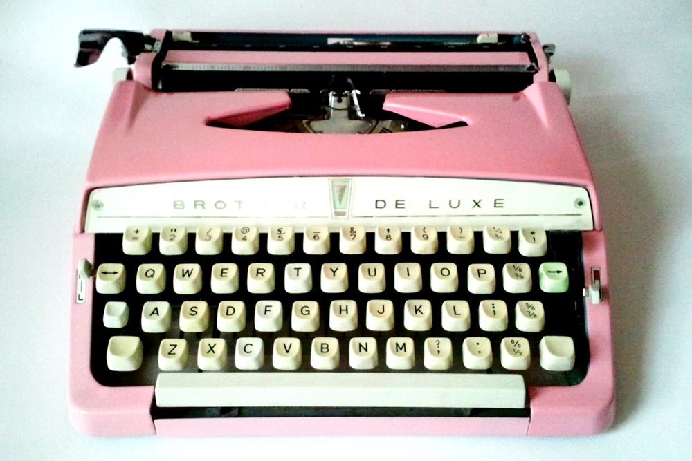 brother_typewriter_pink_2.jpg