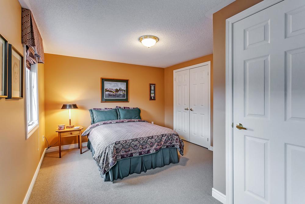 170 John St bed 3 (1).jpg