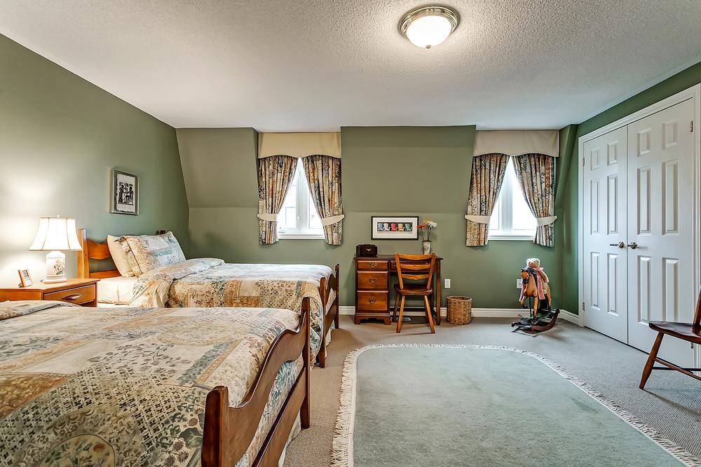 180 John St bed 4 (1).jpg