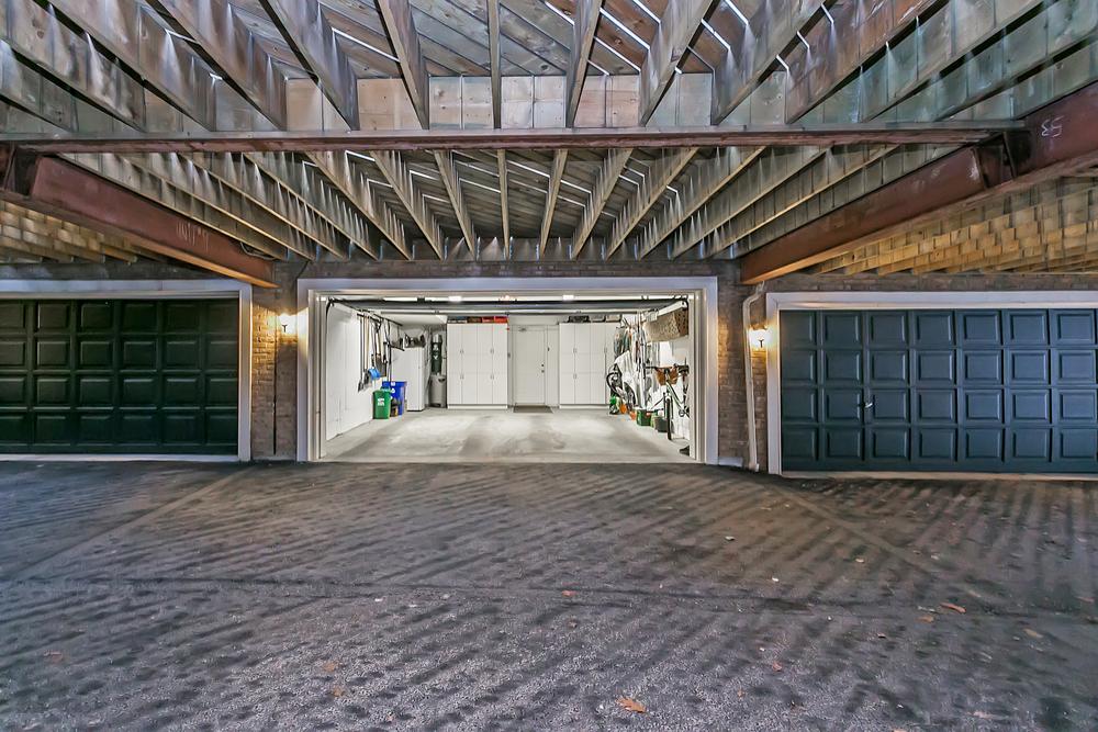 240 John St garage (3).jpg