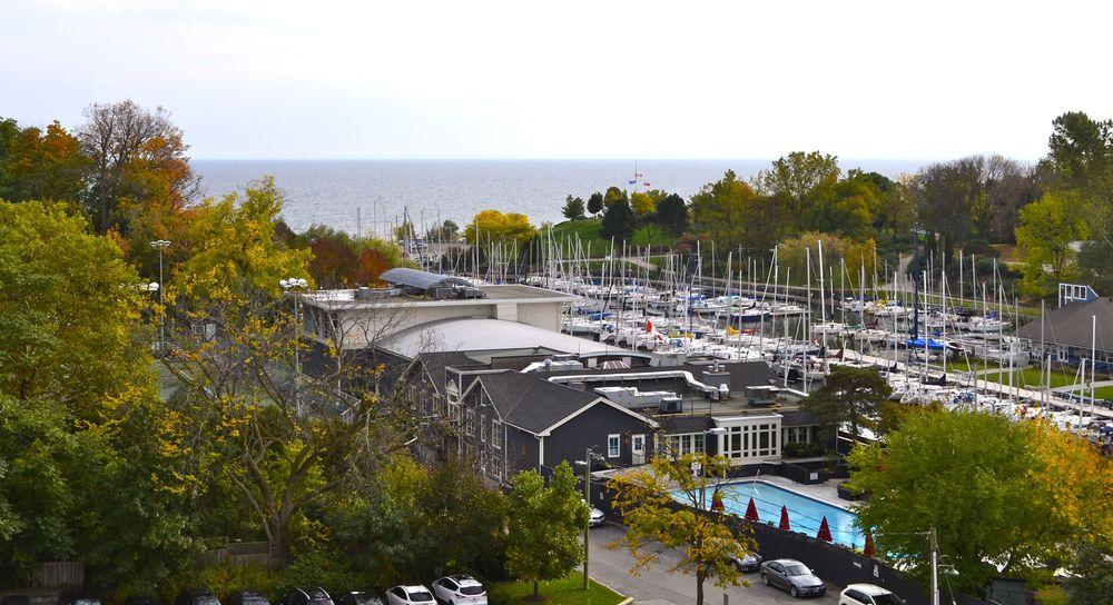 0020 Lakeshore (1007 view).jpg