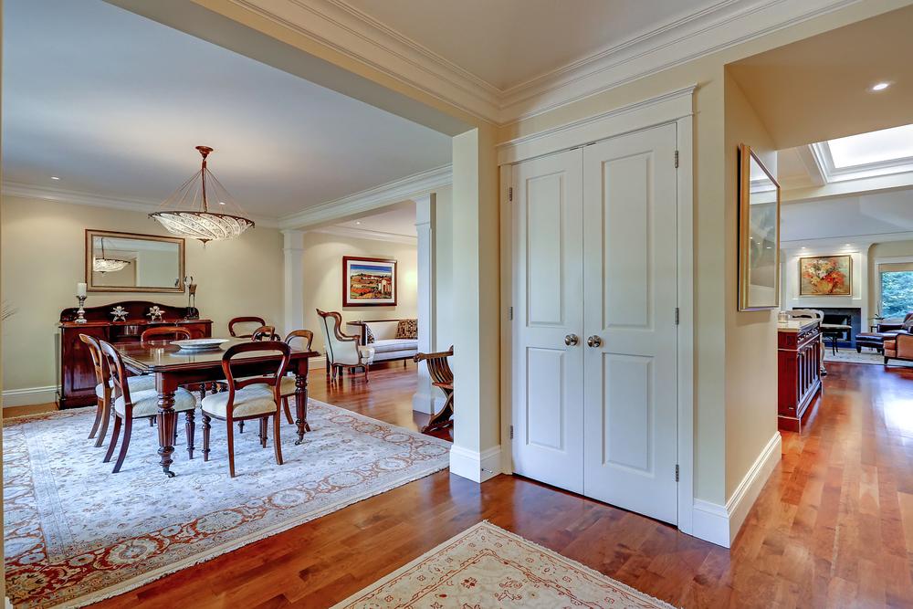 040 Oakhill foyer (1).jpg