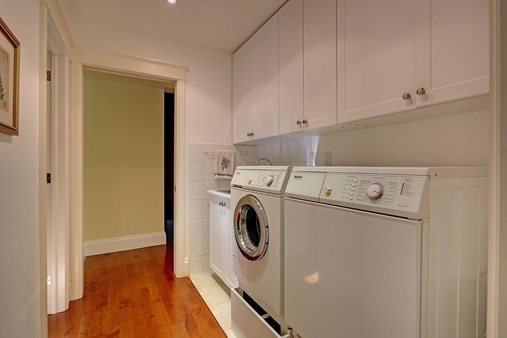 190 Oakhill laundry (1).jpg