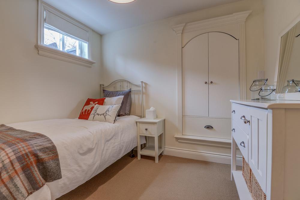 150 Bed 266 Felan Av.jpg