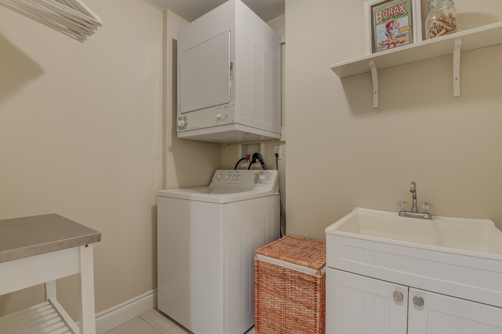 170 Utility Room 266 Felan Av.jpg