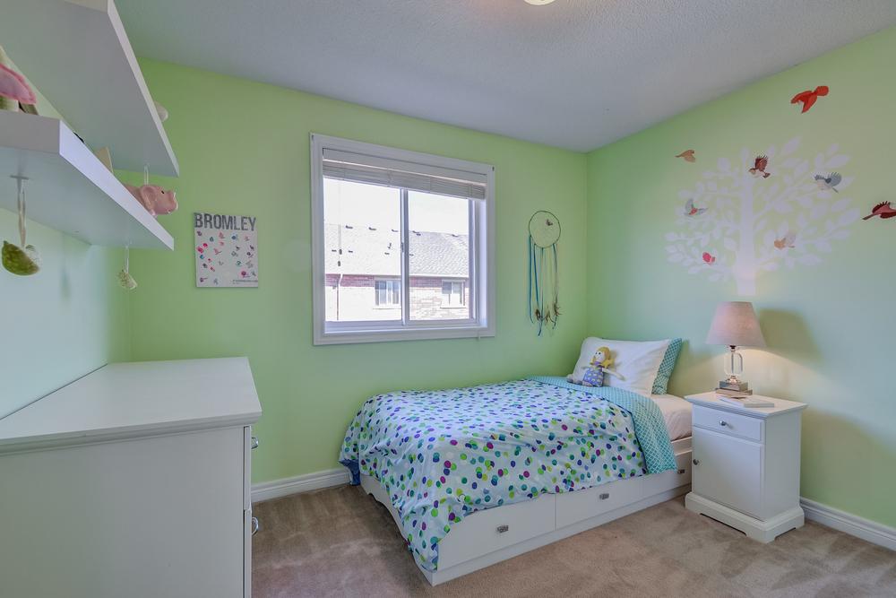140 Bedroom.jpg