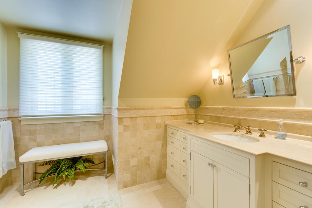 250 Main Bath_68A0111.jpg