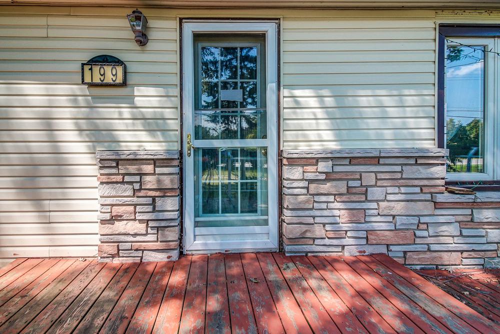 030 Front Door.jpeg