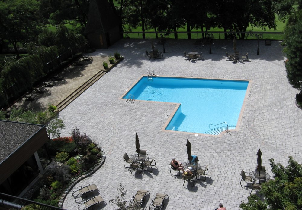 230 Outdoor Pool.jpg