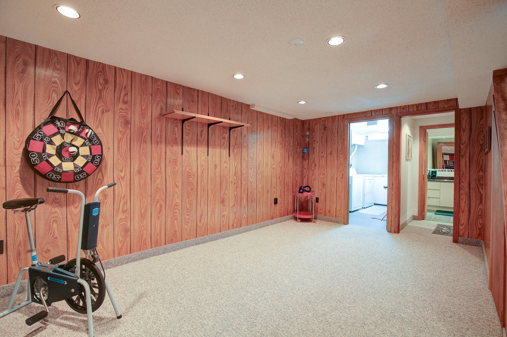 180 Canso Rd.jpg