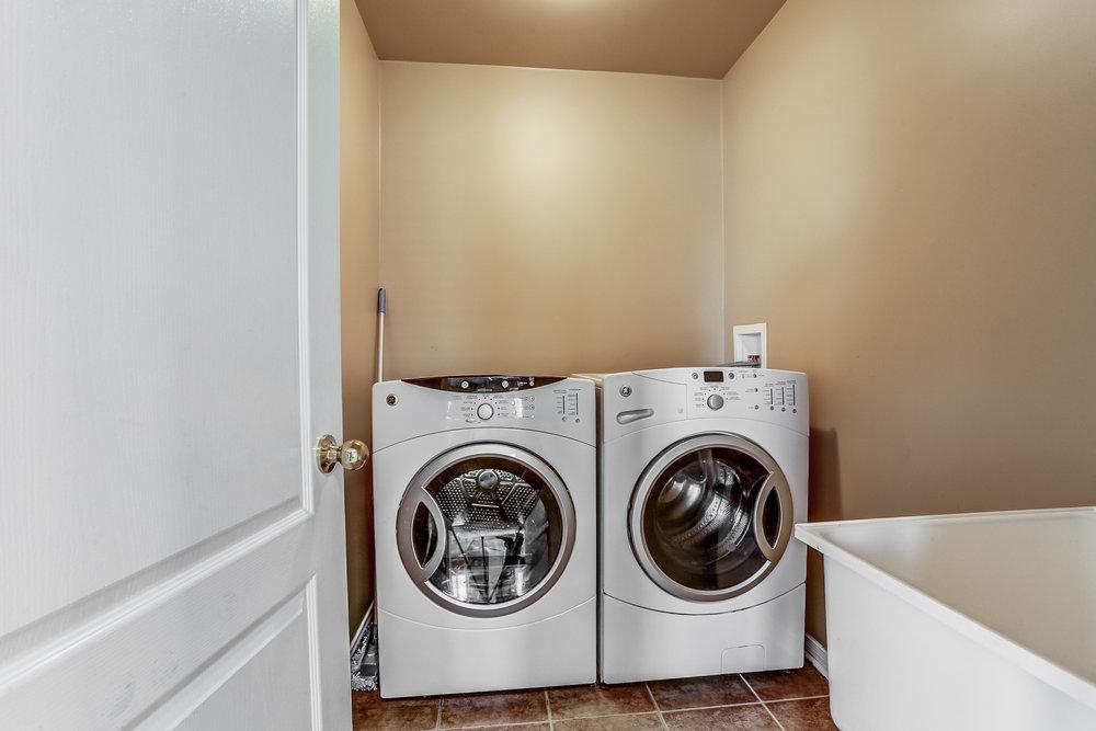 200 Laundry Capri Crescent.jpg
