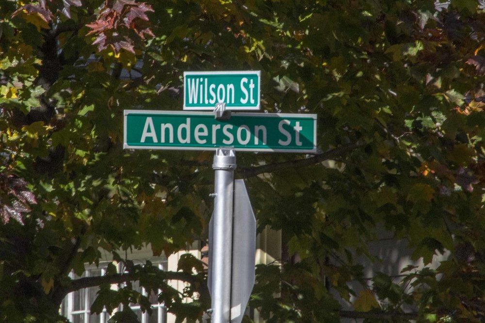 560 Sign Wilson St.jpg