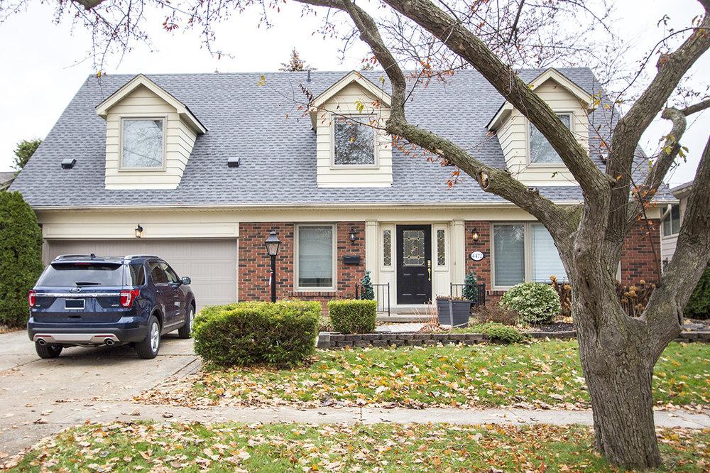 4472 Hawthorne Dr, Shoreacres, Burlington - Sold