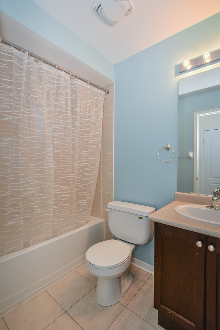 160 Main Bath Capri Cr 4837  (32).jpg