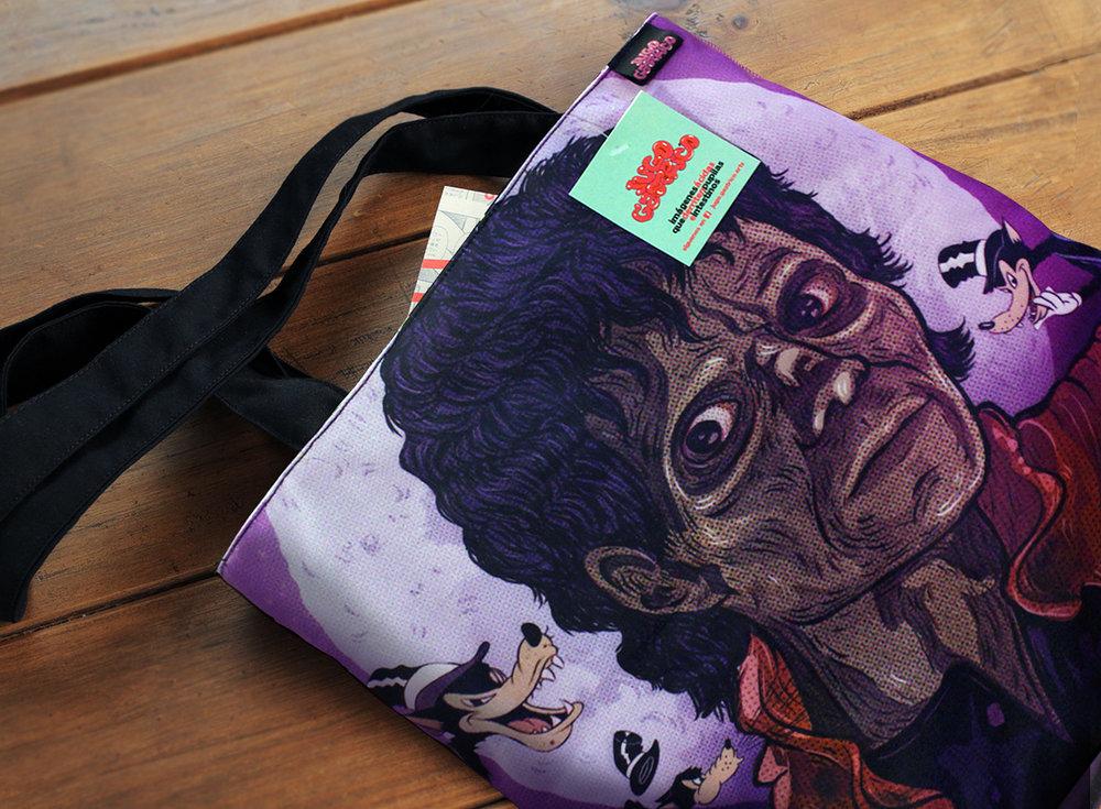 Bolso 'THRILLER BIG BAD WOLF'   Material: DRILL TEC. SUBLIMADO + forro negro Precio: 60 soles AGOTADO