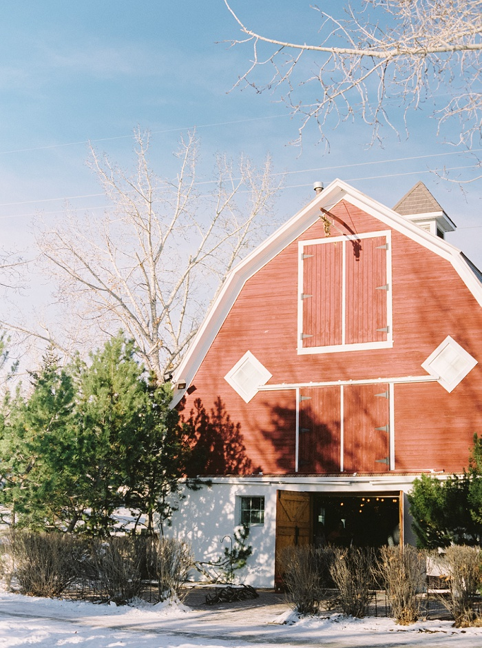 Shawnessy Barn Wedding in Calgary | Milton Photography | Calgary Wedding Photographer