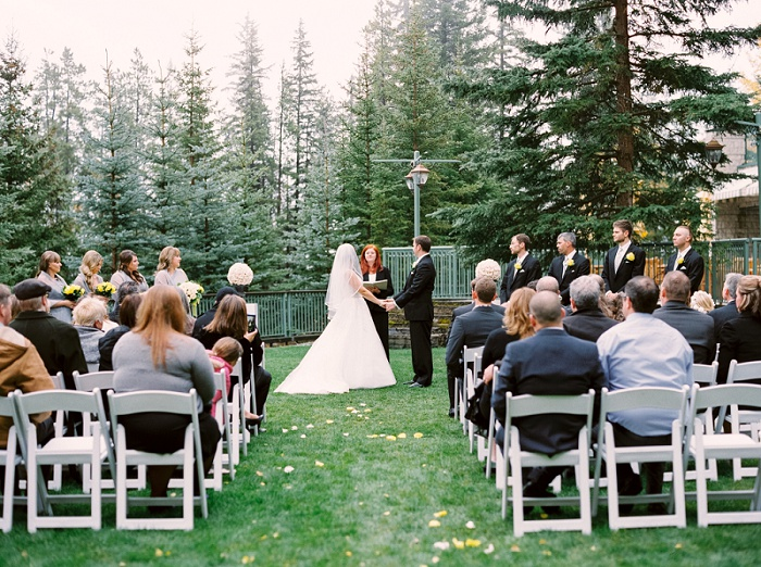 Calgary Wedding Photographers | Rimrock Banff Wedding | Justine Milton Photography