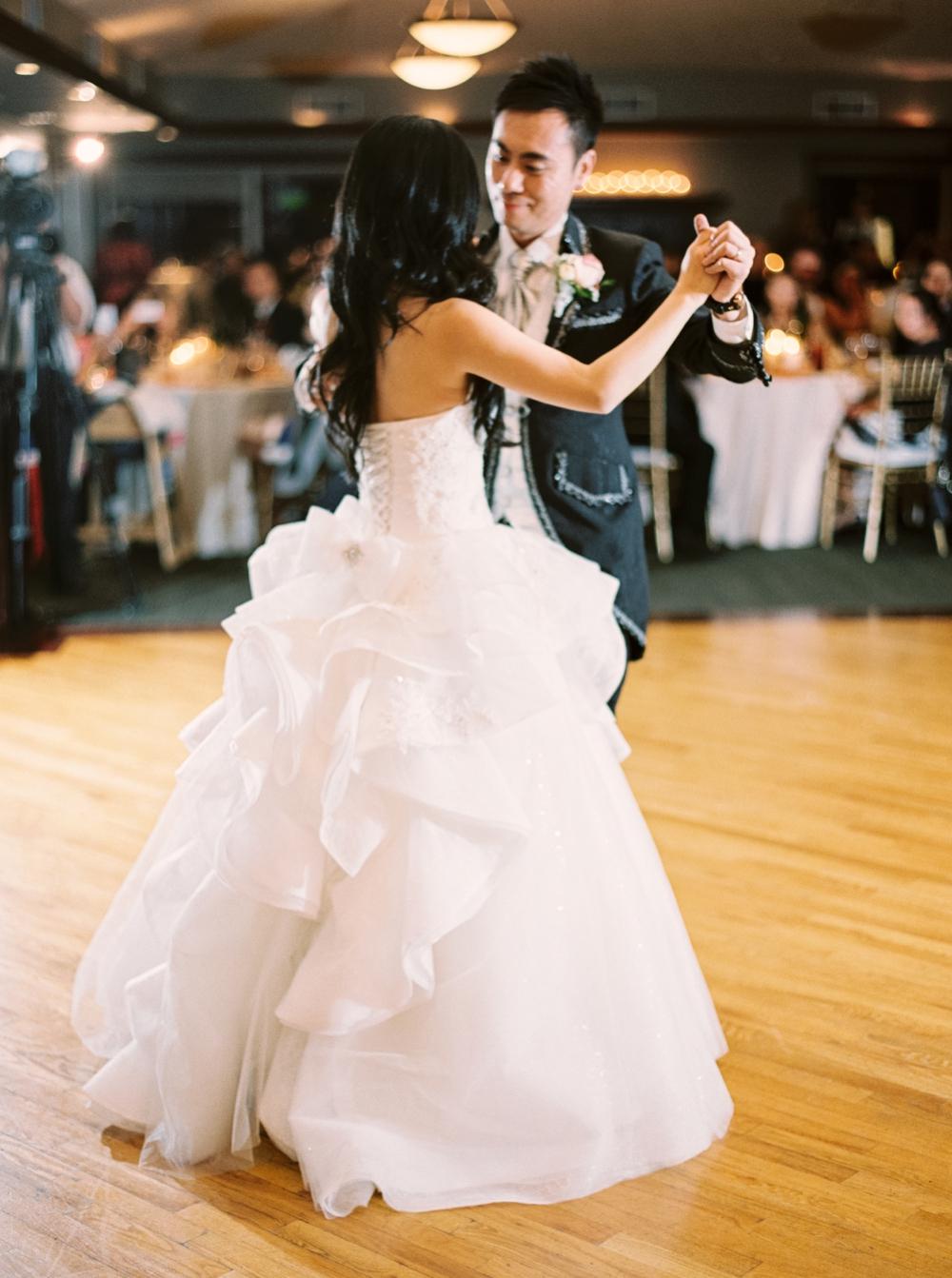 Calgary Wedding Photographers | Lynx Ridge Golf Course Wedding | Justine Milton Photography