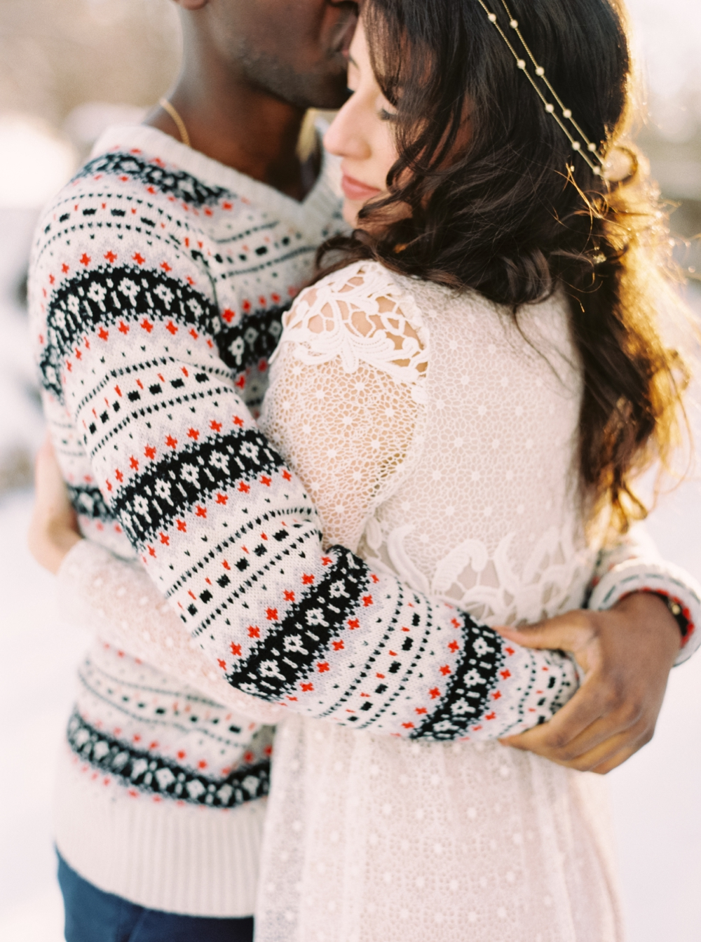 Calgary Wedding Photographers | Winter Engagement Session | Confederation Park