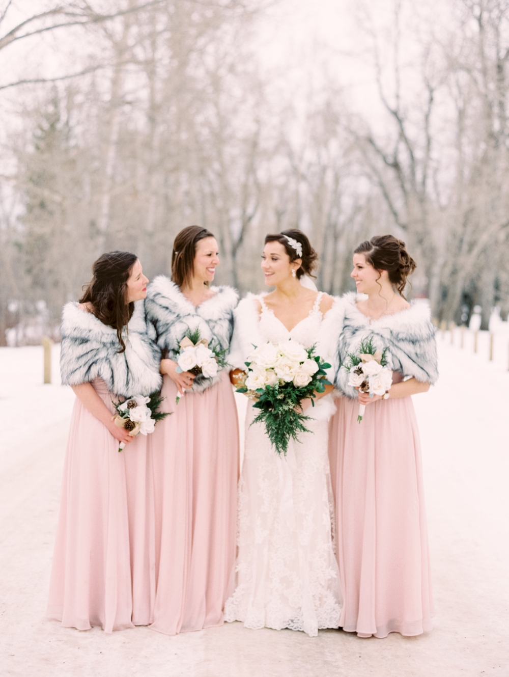Winter wedding | Calgary wedding photographer | snowy weddings