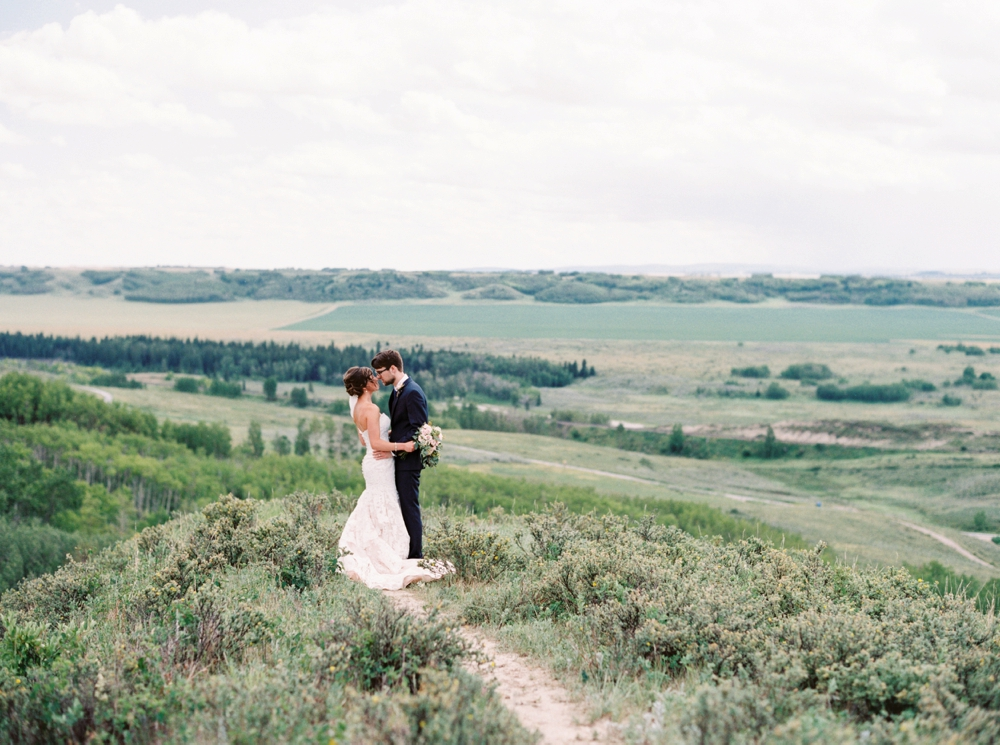 Calgary Wedding Photographers_2261.jpg