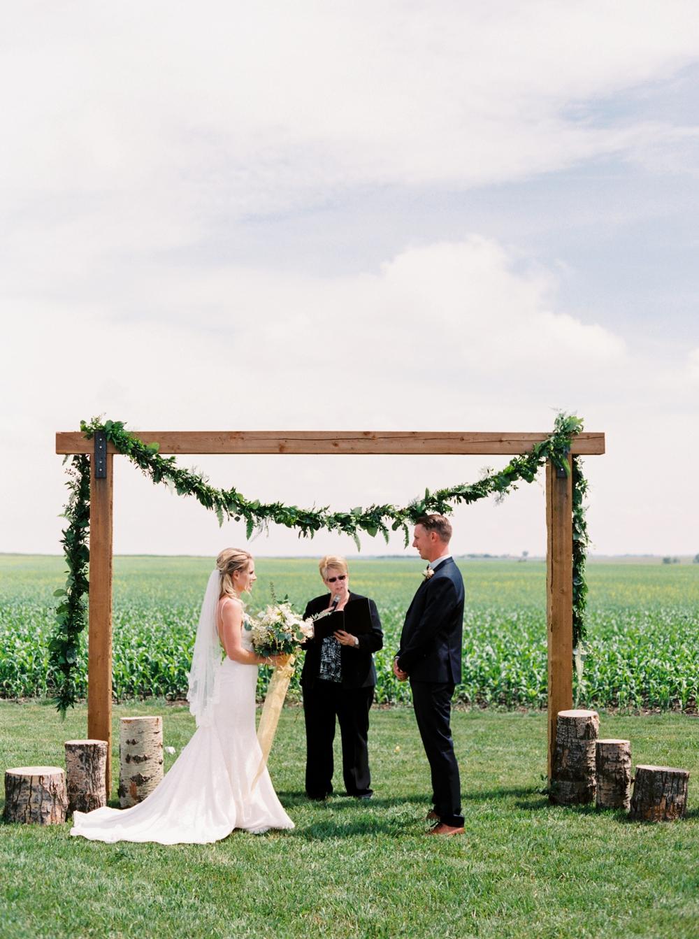 calgary wedding photographers | willow lane barn | barn wedding | alberta wedding photographer | fine art film photography