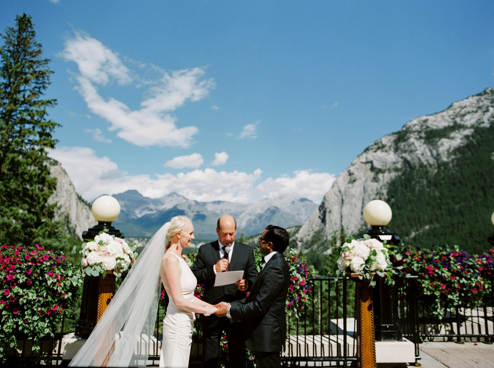 Banff Springs Hotel Wedding | Calgary Wedding Photographers | Banff Wedding Photography | Destination Wedding | Mountain Weddings