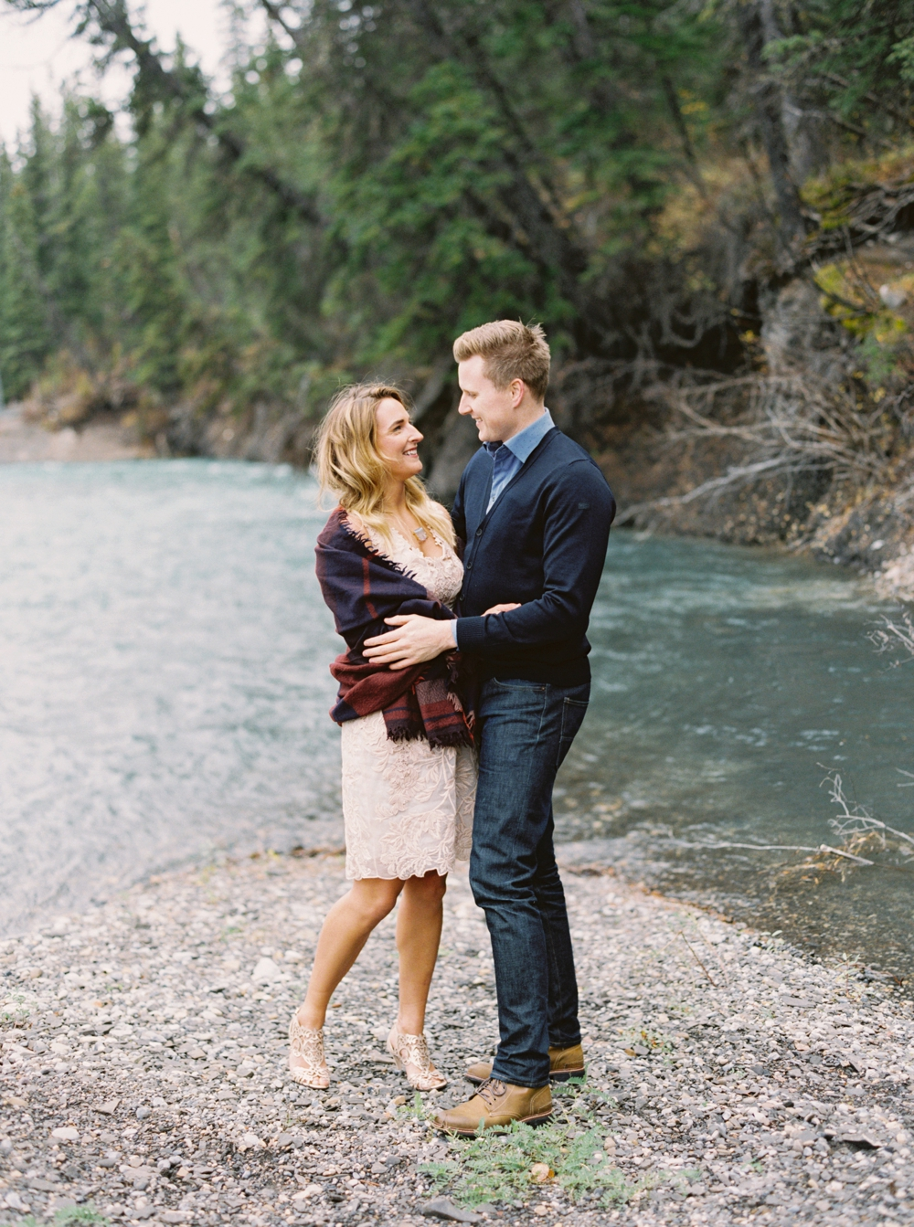 kananaskis engagement session | mountain engagement photographers | calgary wedding photographer | Justine Milton photography