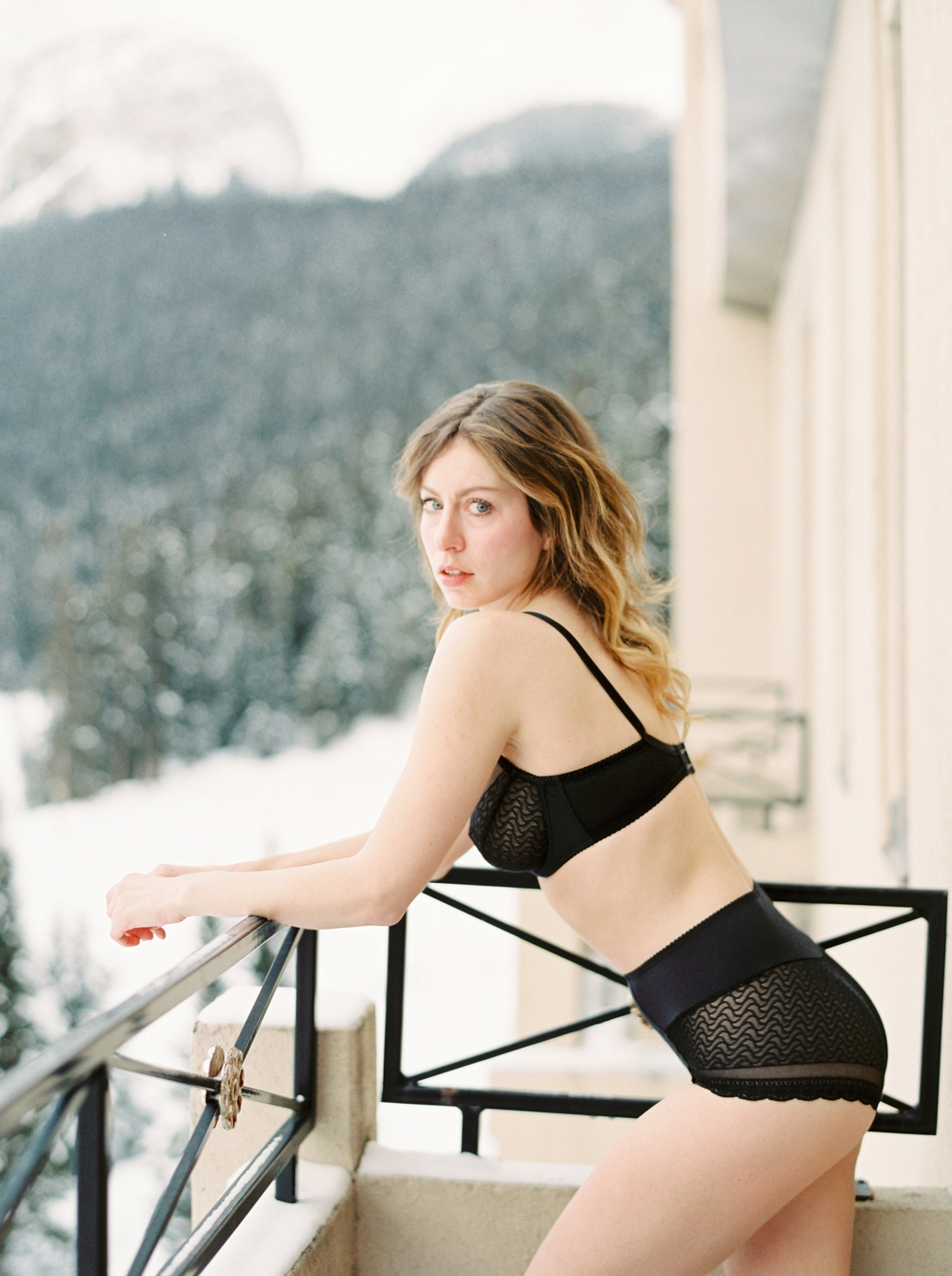 Calgary Boudoir Photographers | Life Set Sail | Fashion Photographer Blogger | Justine Milton Photography | Fairmont Chateau Lake Louise