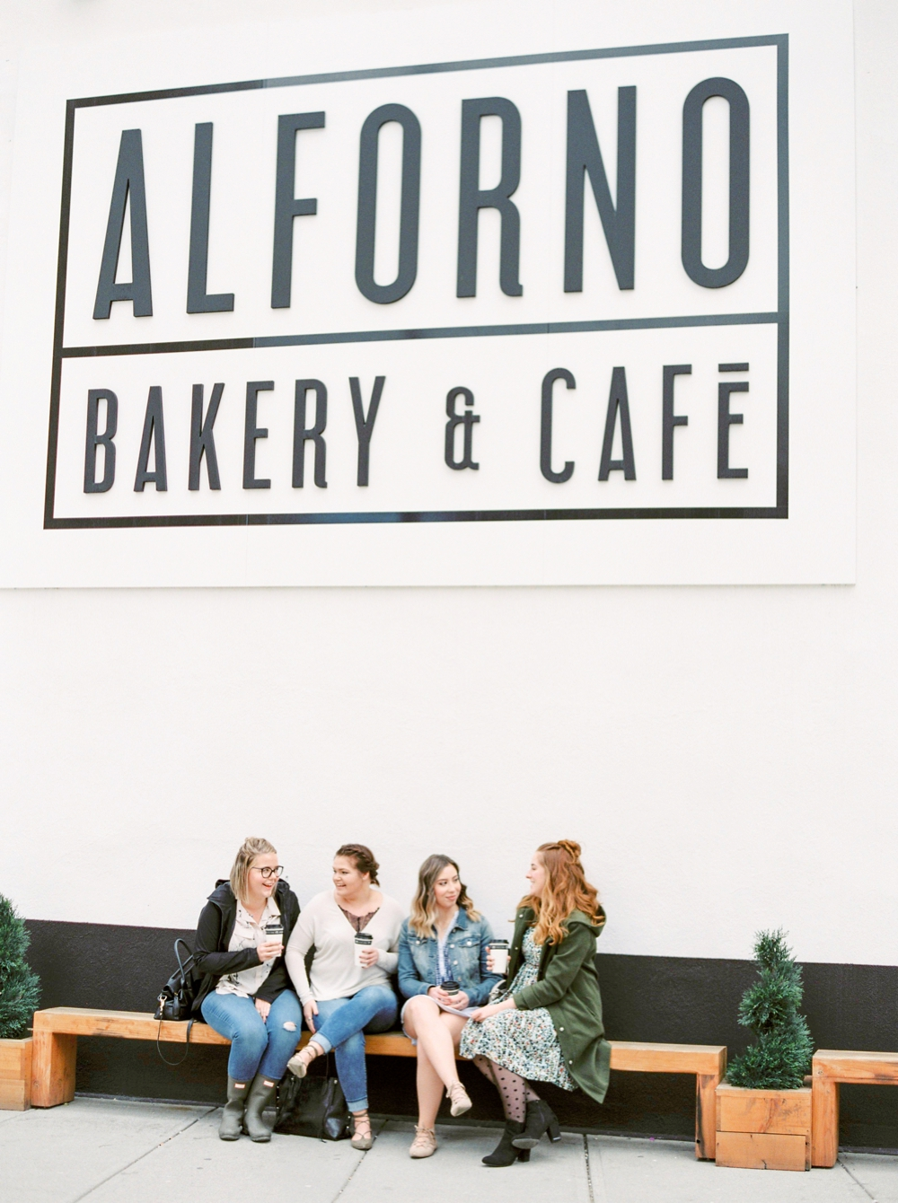 Canadian Fashion Bloggers | Alforno Cafe | Calgary Wedding Photographer